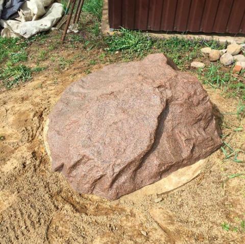 Установка искусственного камня на люк с подсыпкой грунта